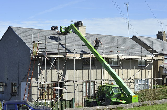 Od elewacji do podbitki dachowej – prace wykończeniowe domu