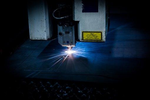 Realizacja cięcia laserowego