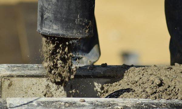 Zalety zaprawy naprawczej do betonu