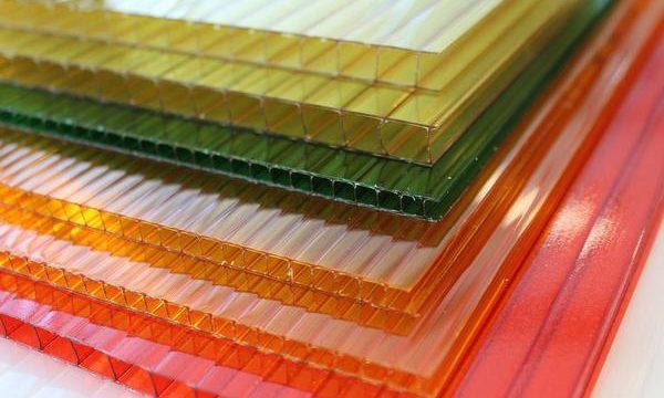 Do czego produkowane są płyty poliwęglanowe?