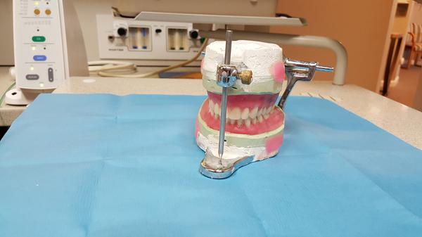 Współczesne protezy zębowe