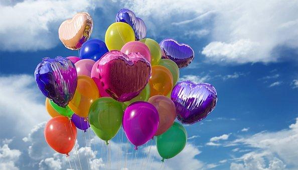 duże świecące balony z helem