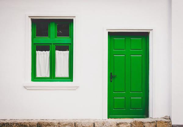 drzwi wewnętrzne białe z ościeżnicą